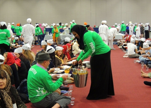Serving of the Langar. Photo by Carl Jylland-Halverson.